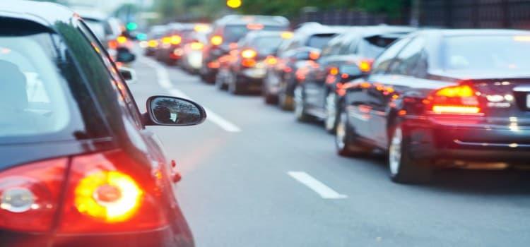 red brake lights in traffic