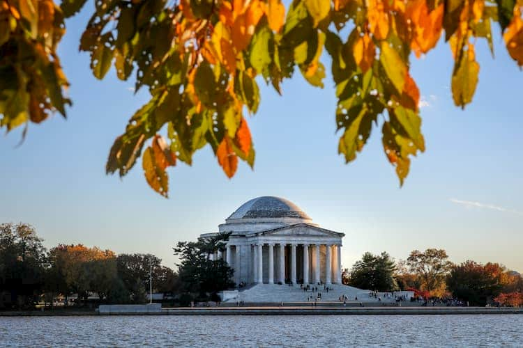 Lincoln Memorial with autumn leaves in front of it