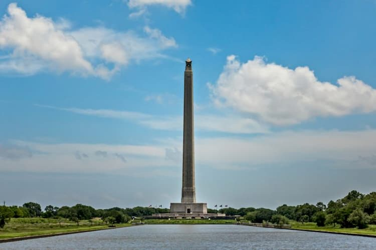 Image of San Jacinto monument