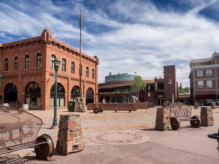 Flagstaff main square with pueblo house in Arizona