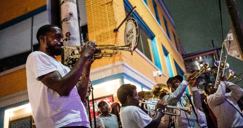 Musicians playing on Frenchmen Street