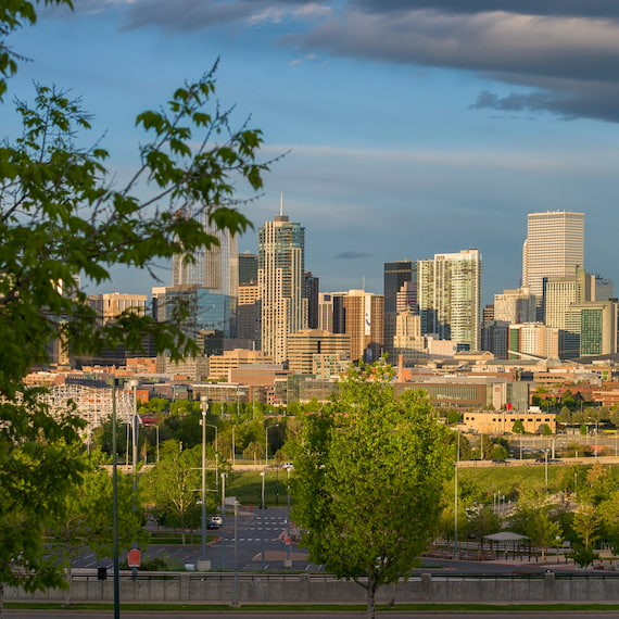 picture of Denver, CO skyline