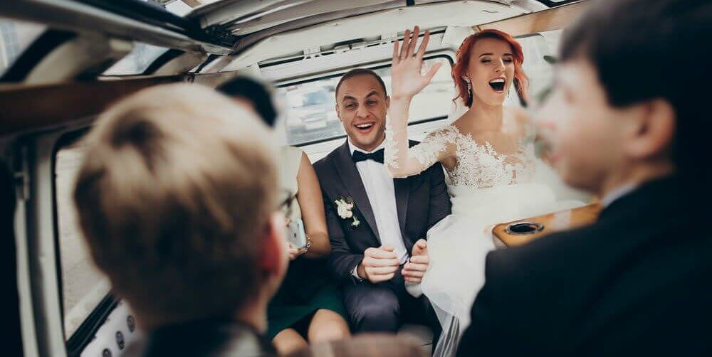 Arrange For A Coach To Transport Wedding Guests Nyc And Save On Airline Tickets The Day Of Your Get Friends
