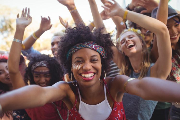 girl-smiling-at-concert