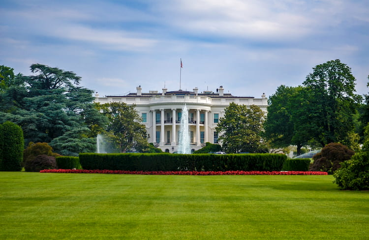 a view of the white house lawn in washington, dc