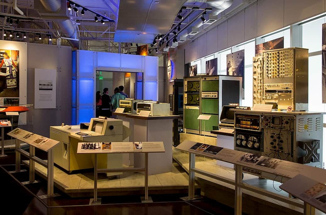 artifacts and old computers in an exhibits at the computer history museum