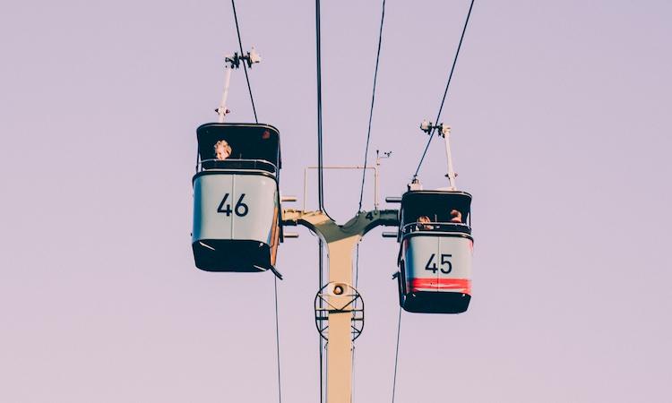 2 gondolas of the SkyFari Air Tram in San Diego Zoo