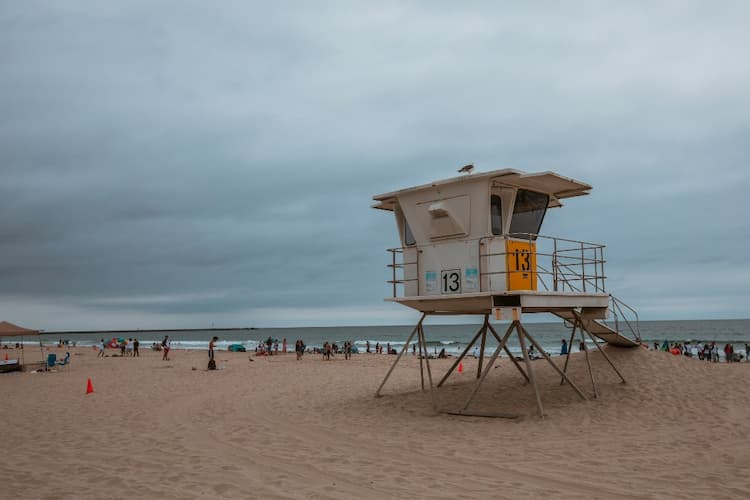 Mission Beach life guard tower and shoreline